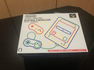 スーパーファミコンミニの外箱の写真