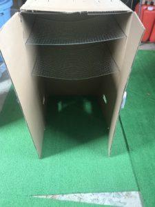 自作の段ボール燻製器の写真